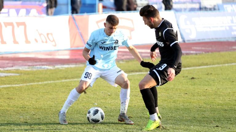 Славия ще се изкачи в топ 6 с победа над Дунав Русе